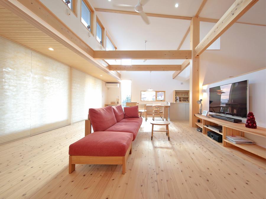 和室、畳下にはたっぷり収納できる引出しを。