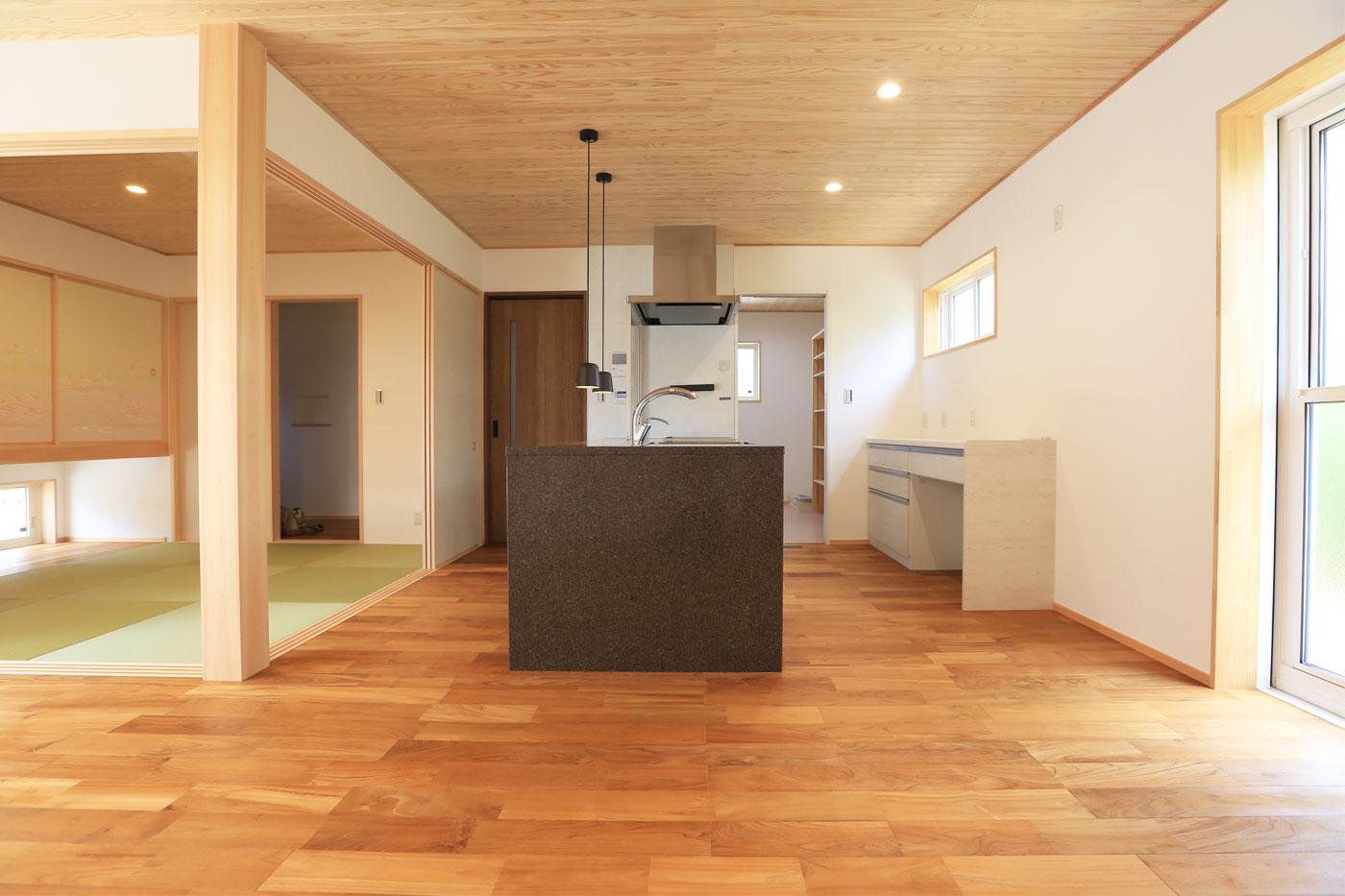 福知山市 新築住宅 アイランドキッチン