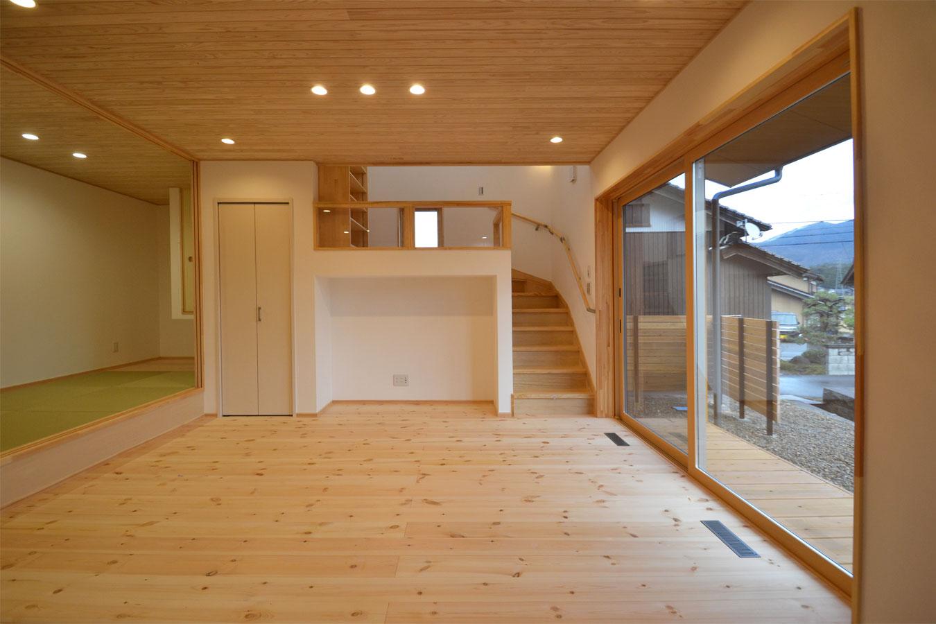 リビング階段・スキップフロア・キッチン・和室 つながりを大切にしたLDK
