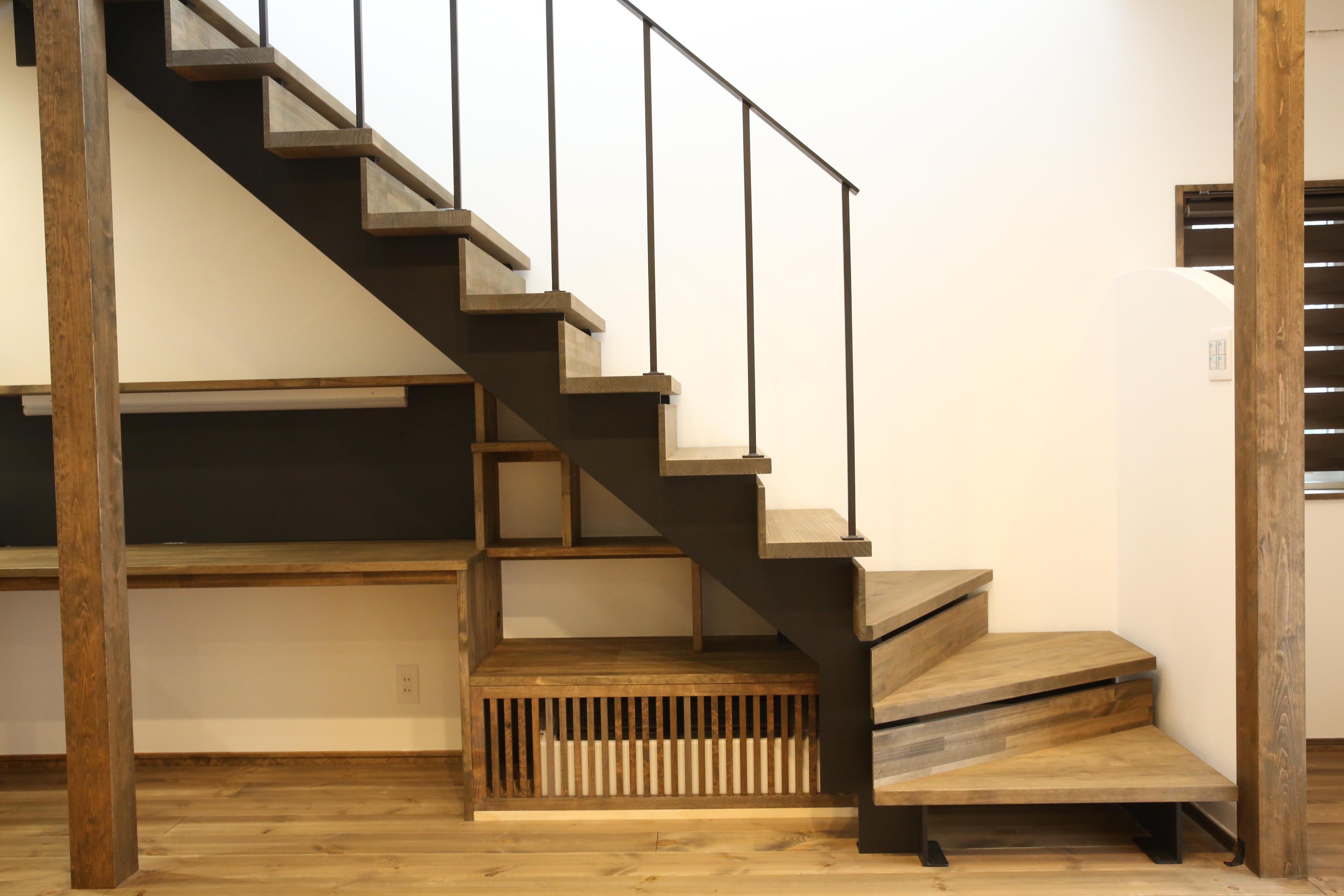 家中を暖め快適な空間をつくる床下エアコン暖房システム